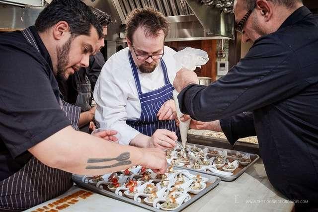 """Γνωστοί Έλληνες Chefs ετοιμάζουν τα πιάτα για την εκδήλωδη """"Fish from Greece"""""""