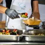 Σερβίρισμα φαγητού - Fish from Greece truck
