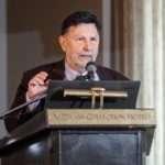 Ο Δημήτριος Οικονόμου, υφυπουργός Περιβάλλοντος και Ενέργειας, στην κοπή της πίτας 2020
