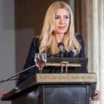 Η Φωτεινή Αραμπατζή, υφυπουργός Αγροτικής Ανάπτυξης και Τροφίμων, στην κοπή της πίτας 2020
