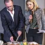 Ο πρόεδρος και η διευθύντρια marketing της ΕΛΟΠΥ κόβουν την πίτα του 2020